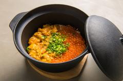 選べる贅沢ウニご飯に生ウニ3種食べ比べ&UNIHOLICが作る本気のうにく等ウニ料理を堪能!