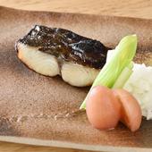 西京漬けに合う魚を見極め、じっくり漬けていく『季節の西京漬け』