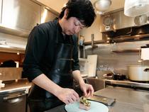 ひと皿ひと皿に愛情を込めて、楽しく料理をつくっています
