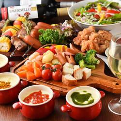 当店自慢の濃厚チーズフォンデュや肉寿司、絶品ハラミステーキなど、どれも大人気のお料理です。