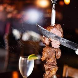 ブラジルBBQシュラスコとドレス肉寿司が食べ放題でお楽しみ頂ける大人気コース!