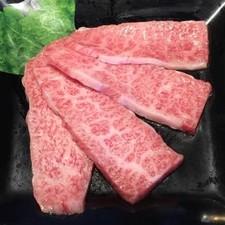 その日おすすめの九州の銘柄牛を堪能する『驚肉和牛カルビ』