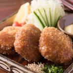 長崎県産SPF豚「長崎じげんもん豚」を使ったメニュー。とろけるようにやわらかく、コクもあり、風味が豊かな味を一番強く感じる部位に一工夫しました。よりとろとろに味わえ、お酒が進みます。