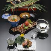 鮎をはじめとした夏を彩る旬の食材を使ったお料理