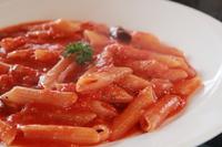 数種類の唐辛子を使い、うま辛いトマトソースに仕上げました。 辛いの好きの方!一度BETTEIのアラビアータを食べたら他でこれは食べれませんよ!w
