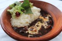 15種のスパイスを使い奥深い味に仕上げた欧風カレーです。 鎌倉野菜たっぷり使っております!
