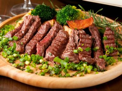 口の中でとろけるように柔らかい『ザブトンステーキ』