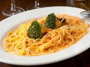 風味豊かな『たらば蟹とブロッコリーのトマトクリームスパゲティ(生スパゲティ)』