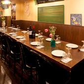 10名以上でも1つのテーブルを囲んでの会食が可能