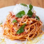 イタリア産ブッラータチーズと旬のフルーツ