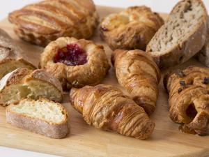 毎朝焼き上げるからいつも美味しい『焼きたてパン』