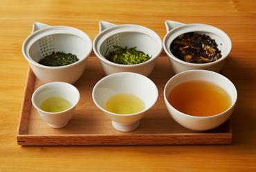 四季折々のお茶の多彩な味わいを楽しみたい『3種飲み比べセット』(月替わり)