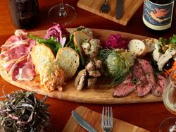 お料理と時間のボリューム重視!クリスマスパーティーや大人数での忘新年会で是非ご利用ください。