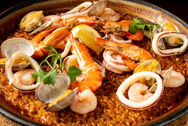 地中海の香りが食欲を掻き立てる『海の幸のパエジャ』