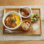 3つのサラダ、3つのスープ、選べるメインおかず1種類、選べる丼ぶり1種類を自分でチョイス。自分好みのMY丼セットをつくれるのが魅力です。