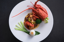 四川料理をベースに、繊細な味わいに仕上げた『オリーブ牛の豆味噌ピリ辛ソース』
