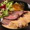 ボリュームたっぷり、食べ応えのある『牛ステーキ丼』