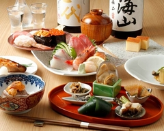 刺身に寿司、天ぷらにカニごはんまでついたコース