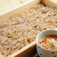 人気の海老をはじめ、野菜もふんだんに使った サックサクの天ぷらはぜひお塩でお召し上がりください♪