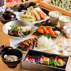 魚のプロが見極めた飛び切り新鮮なお刺身と当店の料理長が匠の技で仕立てる越後料理が楽しめるお得なコース