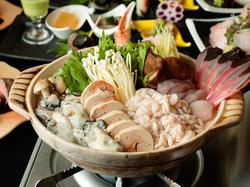 ※プラス700円で日本酒20種も飲み放題 仕入れたばかりの食材を合わせて作る、料理人におまかせの6品コース