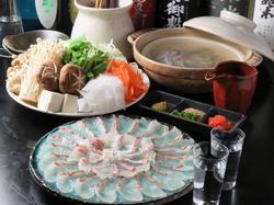 当日仕入れた新鮮食材で作る!【お任せ10品コース】料理のみ5500円、飲み放題付き8300円→7300円