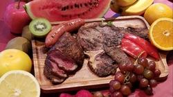 お肉を食べてキレイになろう♪ お肉と一緒にフルーツが食べられる贅沢コース♪  飲むサラダマテ茶つき!