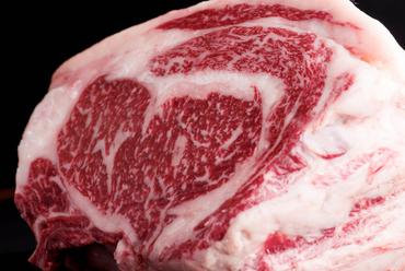 地元佐賀で、大切に育てられた極上の『佐賀黒毛和牛ステーキ』