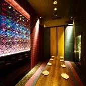 いろいろなシーンで使える、落ち着いた雰囲気の完全個室あり