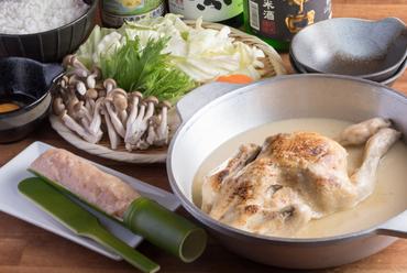 鶏肉の旨みがギュッと凝縮されたスープが絶品『博多水炊き』
