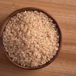 ご縁があって出会った糸島の農家から仕入れる、無農薬玄米