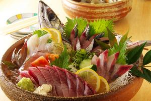 本日の鮮魚・貝類(日替わりの為、以下参考例)