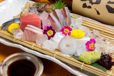 近海モノを中心に、その日一番の鮮魚をご提供『旬のお造り』