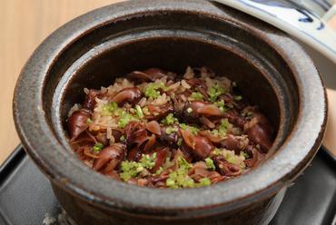 素材の旨みが凝縮された『土鍋炊き 季節の炊き込み御飯』