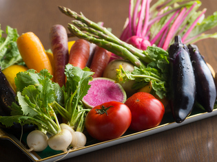 濃厚な味にこだわり、富山県産や関東近郊の無農薬野菜を入手