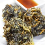 沖縄県産品人気の紅芋。お子様におすすめの、甘みたっぷりのコロッケです。