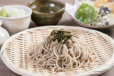 『天ざる蕎麦』(温かい蕎麦に変更も可)~そばは国産そば粉100%の十割蕎麦
