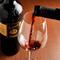イタリア産を中心に、常時約100種類のワインを用意