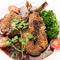 ジューシーなラム肉を甘めのソースで味わう『子羊の香草焼き(2ピース)』