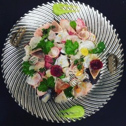 【記念日】乾杯スパークリング&ホールケーキ付!特選飛騨牛&お魚料理、フォアグラなど全7品