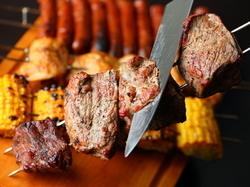 和牛炙り肉寿司21種を含んだ全109品が食べ飲み放題!前菜やサラダ、肉料理まで全て食べ放題!