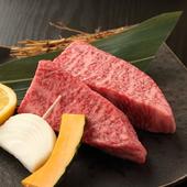 和牛単品もおすすめですが、リーズナブルな『四種盛』なども