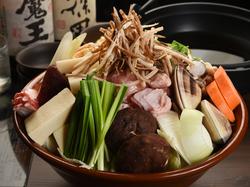 お鍋と逸品料理のちゃんこ宴会プランです! +1500円で飲み放題(100分制)お付けできます。