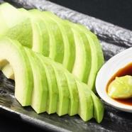 本場の味わいを堪能できる『生タコス』は野菜もたっぷり!