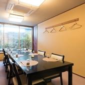 趣あふれる和の空間で、穏やかに食事を楽しむ特別な時間
