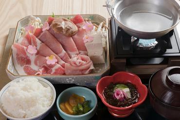 優しい甘みが口中に広がる、しっとり柔らかな『県産豚のしゃぶしゃぶ御膳』