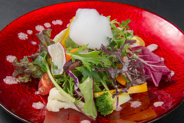 大分産の新鮮な野菜をたっぷり使用した『サラダ』