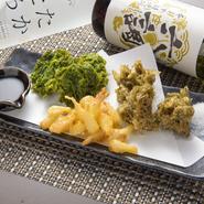 新鮮な生の「あおさ」や「もずく」は、濃厚な色味で、サックリとした天ぷらにすることで旨みが倍増! 「島らっきょの天ぷら」と共に、絶妙な味わいです。島ならではの抜群の美味しさ。(すべて単品で注文できます)