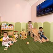 子どもたちが安心して遊べる、キッズスペースを完備