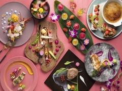 【期間】~2月28日 選べるメインディッシュと、前菜やデザートをブッフェでお楽しみください。